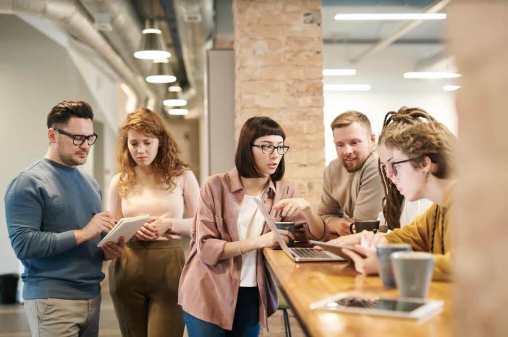 איך לגרום לאווירה טובה במשרד?