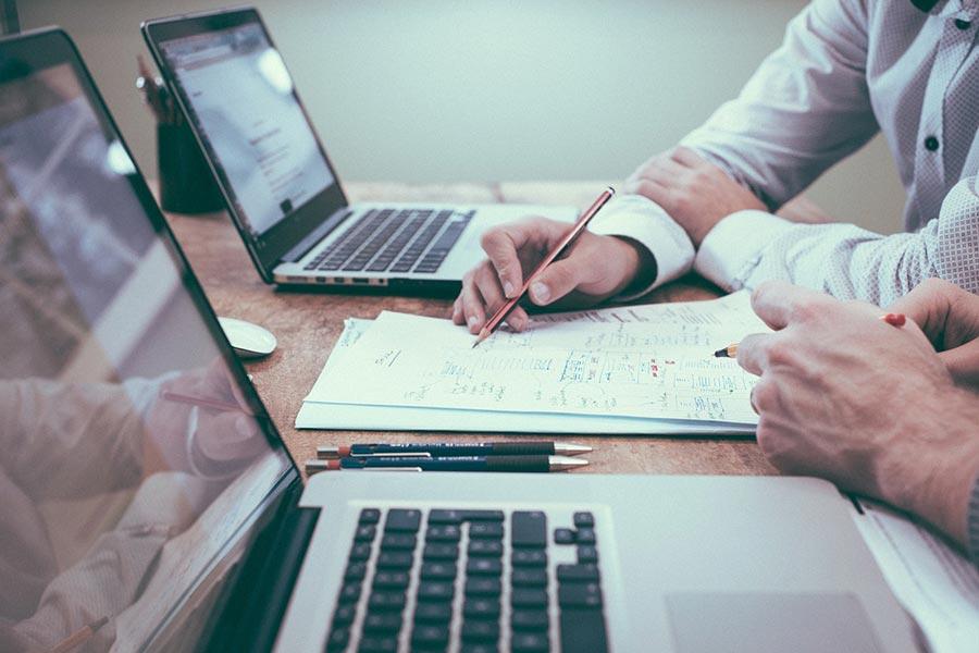 איך לבחור יועץ עסקי מקצועי?