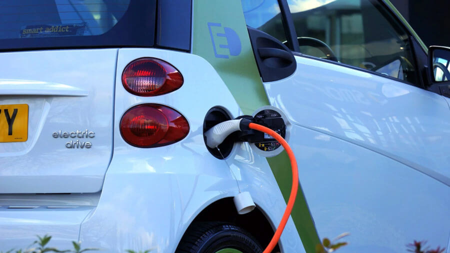 הזמנת עמדת טעינה לרכב חשמלי - כך תבצעו זאת נכון